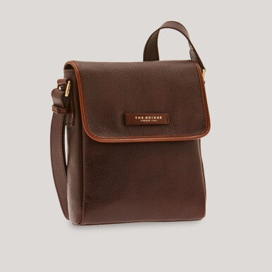 Compact shoulder bag